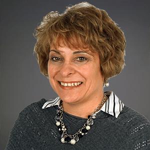 Karen Wendling Headshot
